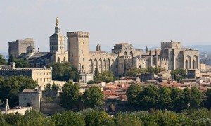 Avignon met het imposante Palais des Papes
