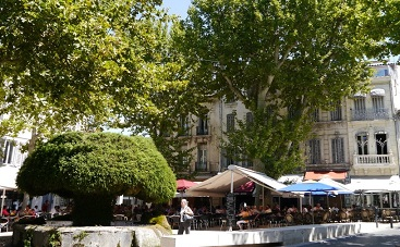 Salon de provence zonnig zuid frankrijk for Formule 1 salon de provence