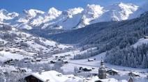 Panorama sur le massif des Aravis depuis le village du Grand-Bornand