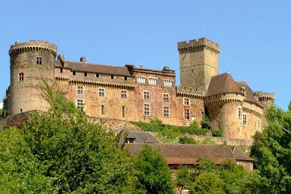 Tips voor een vakantie in Lot: Château Castelnou-Bretenoux